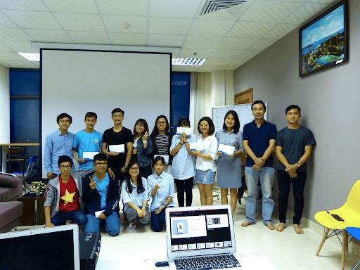 オフショア開発単価 ベトナムの若いエンジニア達