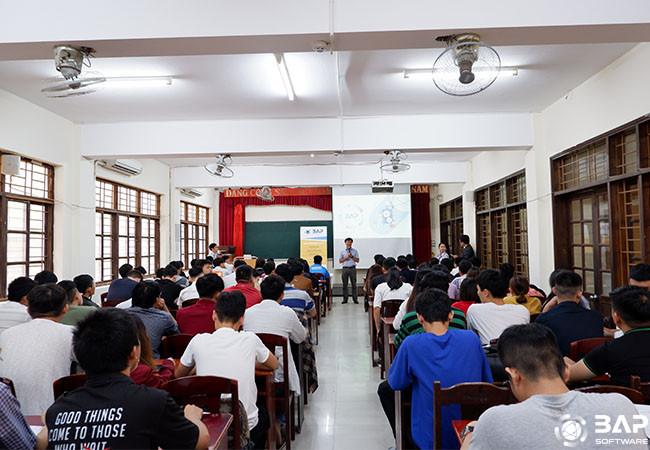 Seminar in Duy Tan University Machine Learning Deep Learning